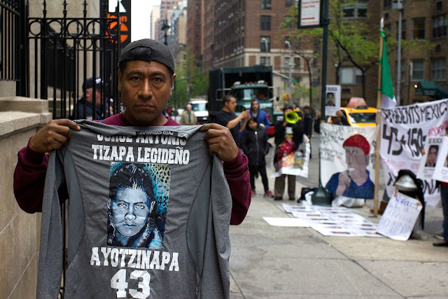 """No soy un provocador"", responde padre de normalista desaparecido a López Obrador"