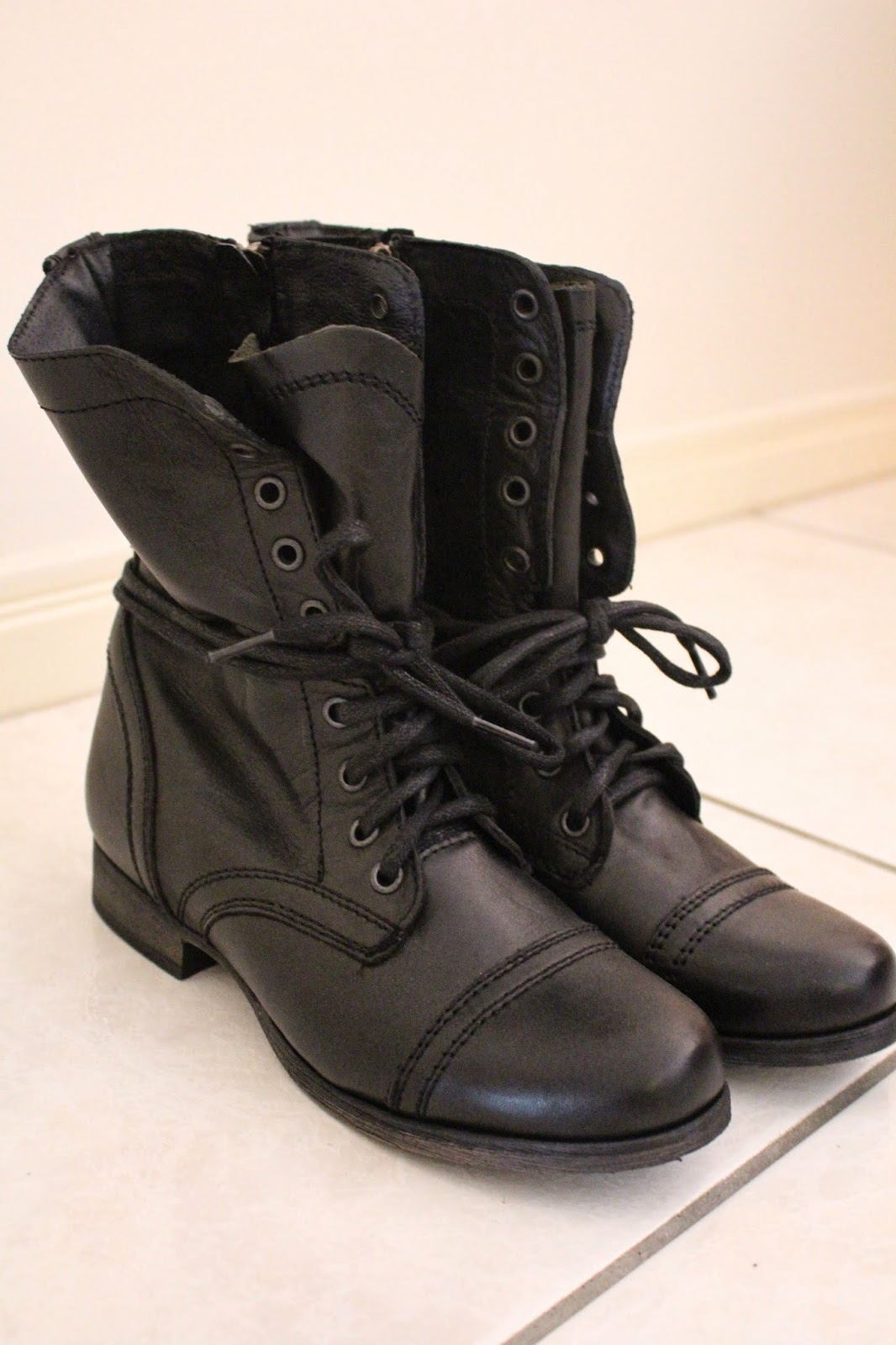 steve madden troopa boots, black and brown combat boots, combat boots, steve madden, troopa boots