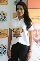 Actress Priya Anand in T Shirt with Students of Shiksha Movement Events 17.jpg