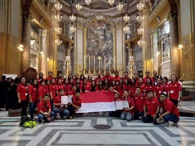 Membanggakan! Paduan Suara Indonesia Juara Kompetisi di Italia