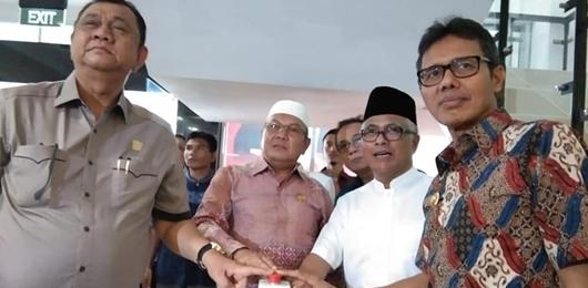 Gubernur Irwan Prayitno Resmikan Pemakaian Gedung DPRD Sumbar
