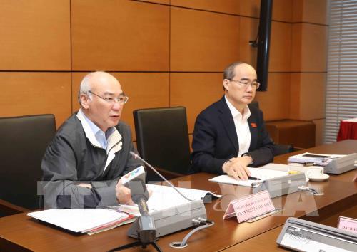 Đại biểu Quốc hội thành phố Hồ Chí Minh Phan Nguyễn Như Khuê thảo luận ở tổ