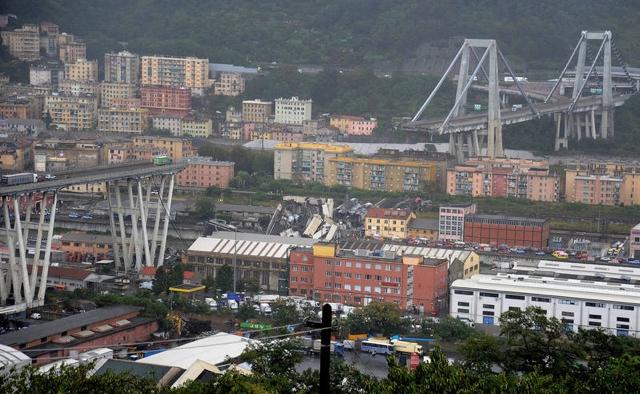 Se eleva número de víctimas por desplome de puente en Italia
