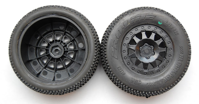 Pro-Line Pro-2 SC wheels and tires
