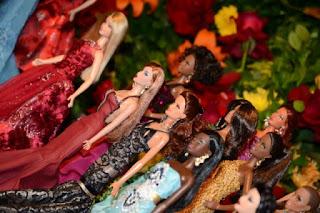 desfile de bonecas