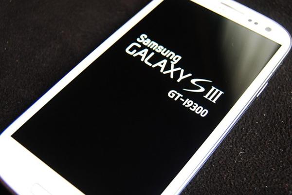 إليك جميع الحلول الممكنة لمشكلة تعليق شعار Samsung عند تشغيل الجهاز ( موضوع شامل + حل المشكل 100%) !