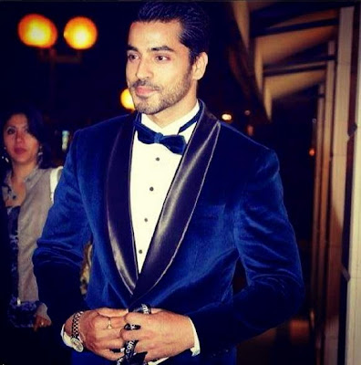 gautam gulati at awards show looks perfect