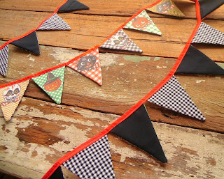 https://www.etsy.com/listing/243849249/vintage-style-halloween-flag-bunting?ref=shop_home_active_1