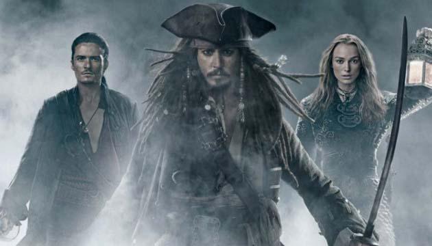 daftar film pirates review