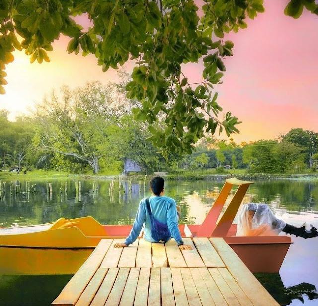 Tempat Wisata Keramba Cinta di Tengah Telaga di Madura