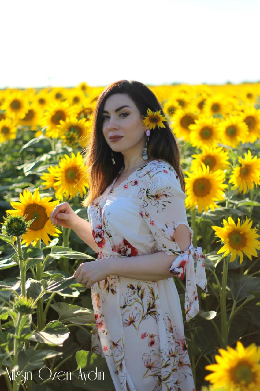 Ayçiçek Tarlası ve Çiçekli Elbise-moda blogu-moda blogları-fashion blogger-fashion blog