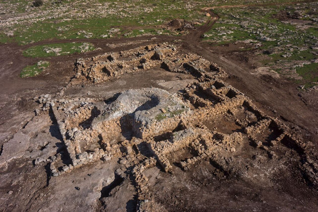 2,700 year old water system found in Israel