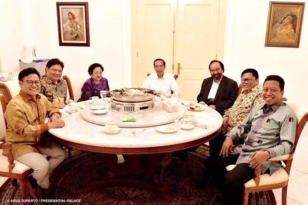 Kasus Romahurmuziy Diprediksi Bikin Tim Jokowi Kehilangan Fokus