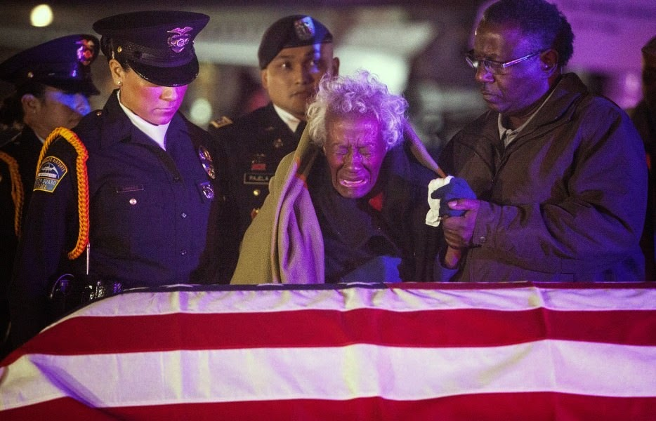 Clara Gantt is reunited with her husband's body after more than 60 years. Sergeant Joseph Grantt went missing during the Korean war. - The 63 Most Powerful Photos Ever Taken That Perfectly Capture The Human Experience