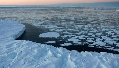 Misteri Mengelilingi Lubang Raksasa di Antartika