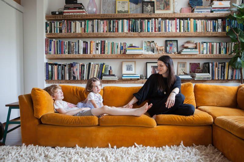 la fabrique d co canap en velours choisir son style et sa couleur. Black Bedroom Furniture Sets. Home Design Ideas