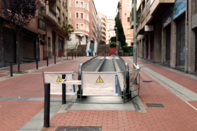 Rampa averiada en la calle Ibarra