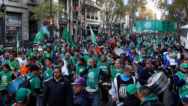 Paro en Argentina de los trabajadores públicos contra el achicamiento del Estado