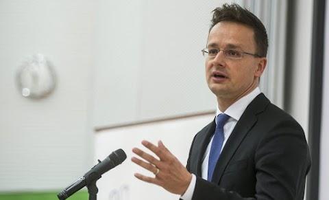 Szijjártó kiosztotta a Magyarországot támadó luxemburgi miniszterelnök-helyettest