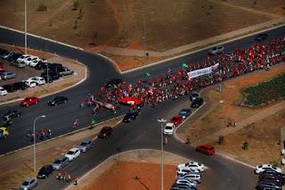 Manifestação de grupo do MST altera vias no DF