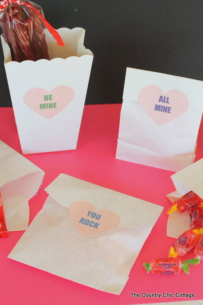 Converation Heart Printable Treat Labels -- print these fun labels for all of your Valentine's Day treat bags.  So cute and simple!