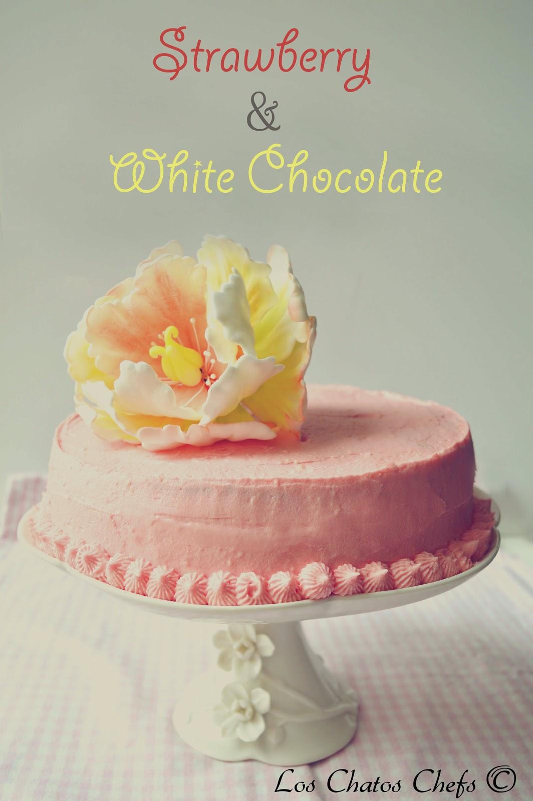 Pastel de fresas y chocolate blanco.