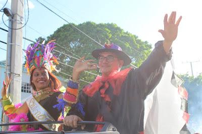 El Desfile de la Reina y el Rey: Preludio de Las Cachúas