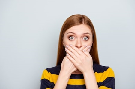 How to get rid of bad breath with natural remedies