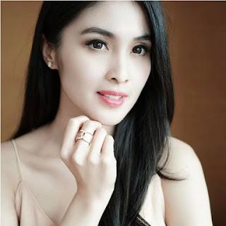 Gambar Sandra Dewi Terbaru