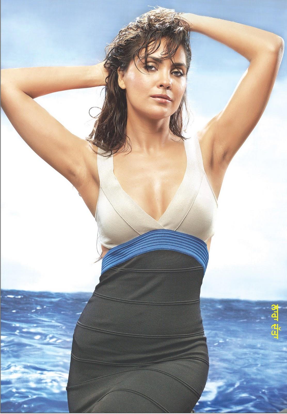 Lara Dutta 2  Hot-Celebs-Wallpapers