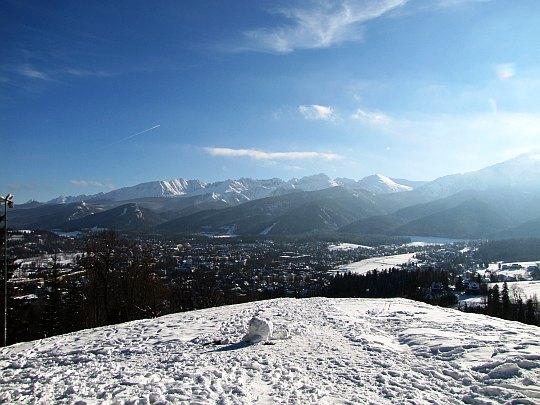 Widok na Zakopane i Tatry.