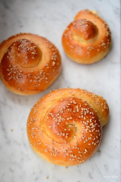 pane-al-formaggio-pane-ripieno-alla-feta