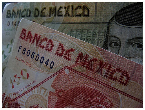 Mexico will use dollar 'hedges' to try to shore up peso