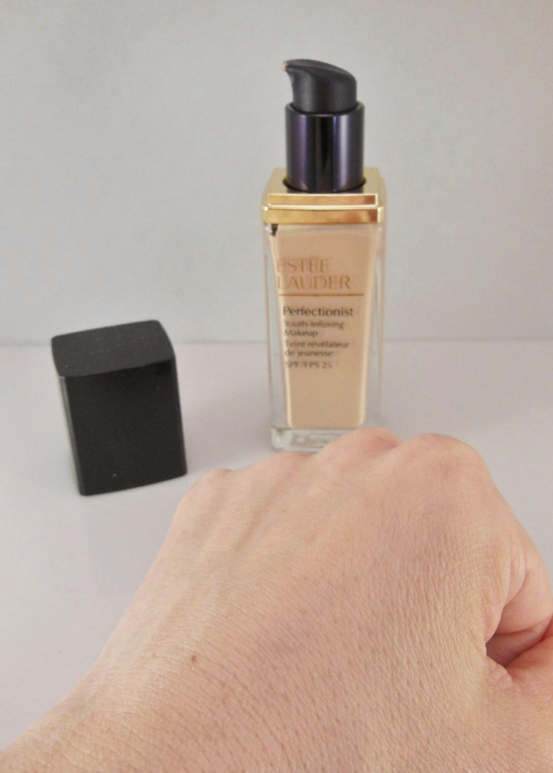 Product Review Estee Lauder Perfectionist Youth Infusing Makeup