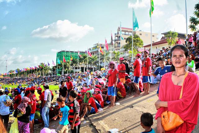 Festival des Eaux 2014 à Phnom Penh. Photographie par Christophe Gargiulo