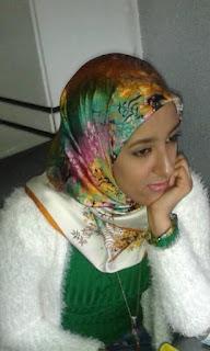 أمينة الأزهري        طالبة بماستر         مشاريع الفقه الحضاري في المدرسة المغربية الأندلسية         في كلية الاَداب والعلوم الإنسانية ظهر المهراز فاس.