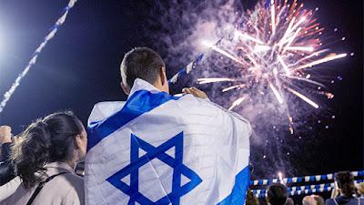 El 5 de Iyar de 5708, coincidente este año con el 2 de mayo, se proclamó la independencia del Estado de Israel. Al igual que entonces, cuando David Ben Gurión declaró en Tel Aviv el fin del Mandato Británico y el nacimiento del Estado de Israel, comenzaron las celebraciones.