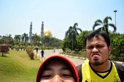 Mengunjungi Masjid Kubah Emas Depok