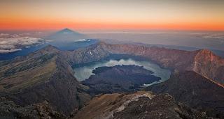 Jalur Pendakian Gunung di Indonesia