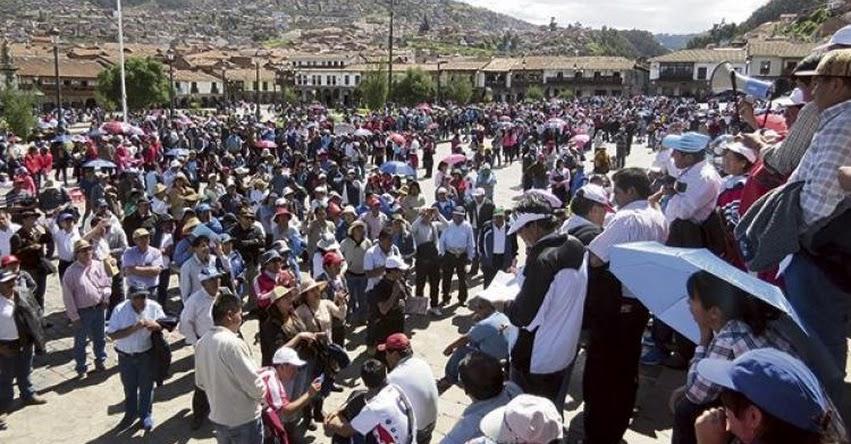 SUTEP: Pese a descuento de sueldo docentes de Puno, Cusco y Tacna paralizan labores escolares