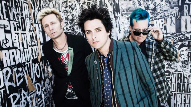http://samy909news.blogspot.com/2017/01/green-day-relaese-their-new-troubled.html