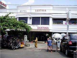 Menikmati Suasana Malam Kota Malang di Hotel Santosa Malang