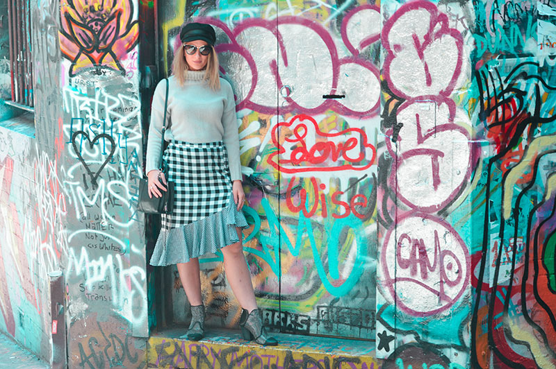 walking through hosier lane street art graffiti alley travel fashion blog