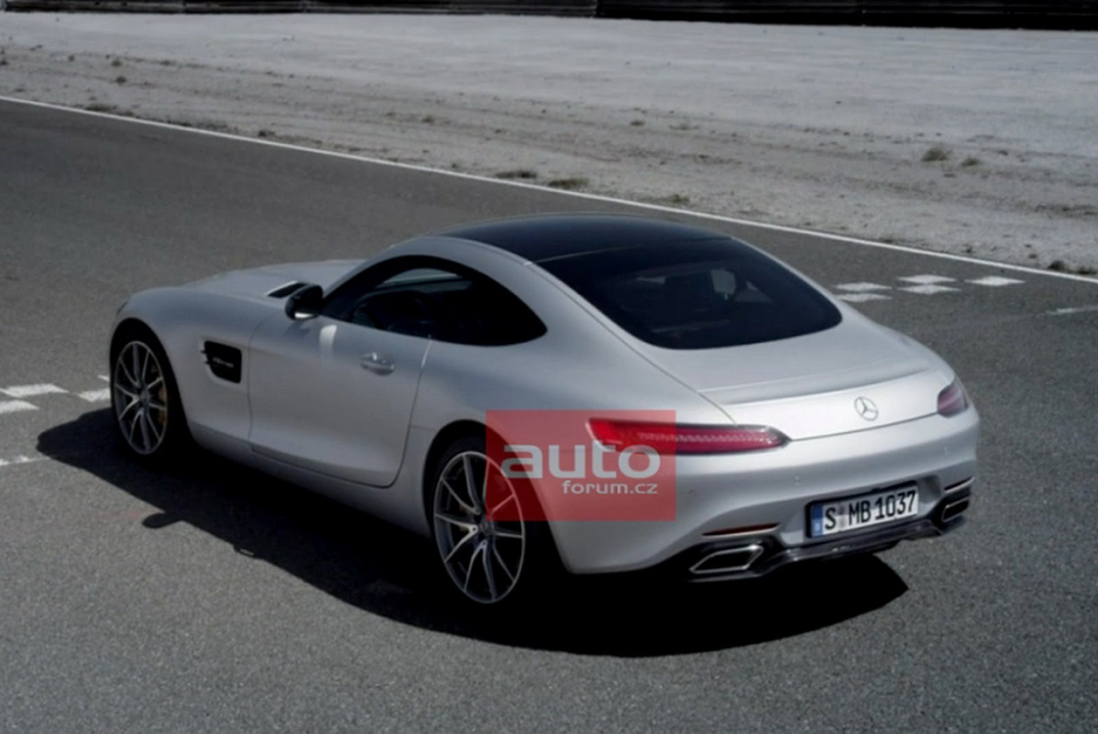 watch new mercedes amg gt coupe debut live now first official photos carscoops. Black Bedroom Furniture Sets. Home Design Ideas