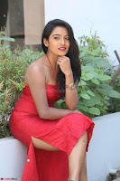 Mamatha sizzles in red Gown at Katrina Karina Madhyalo Kamal Haasan movie Launch event 002.JPG
