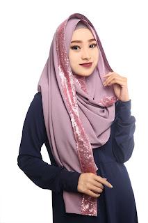 Manakah Bahan Hijab yang Cocok dengan Bentuk Wajahmu?