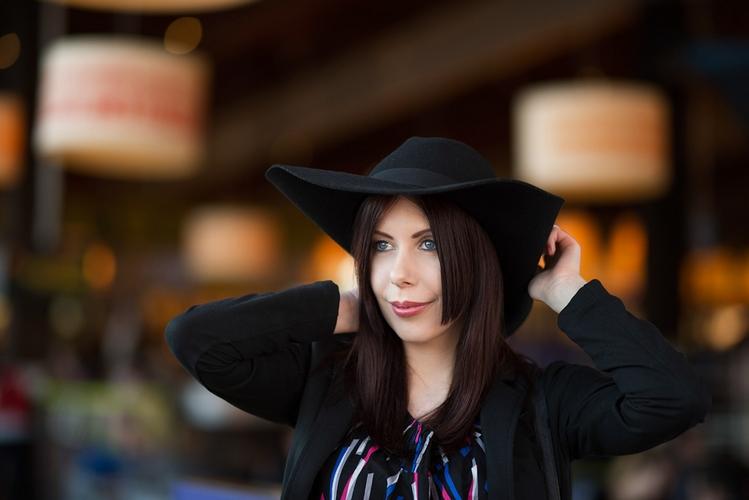 dziewczyna w kapeluszu blog