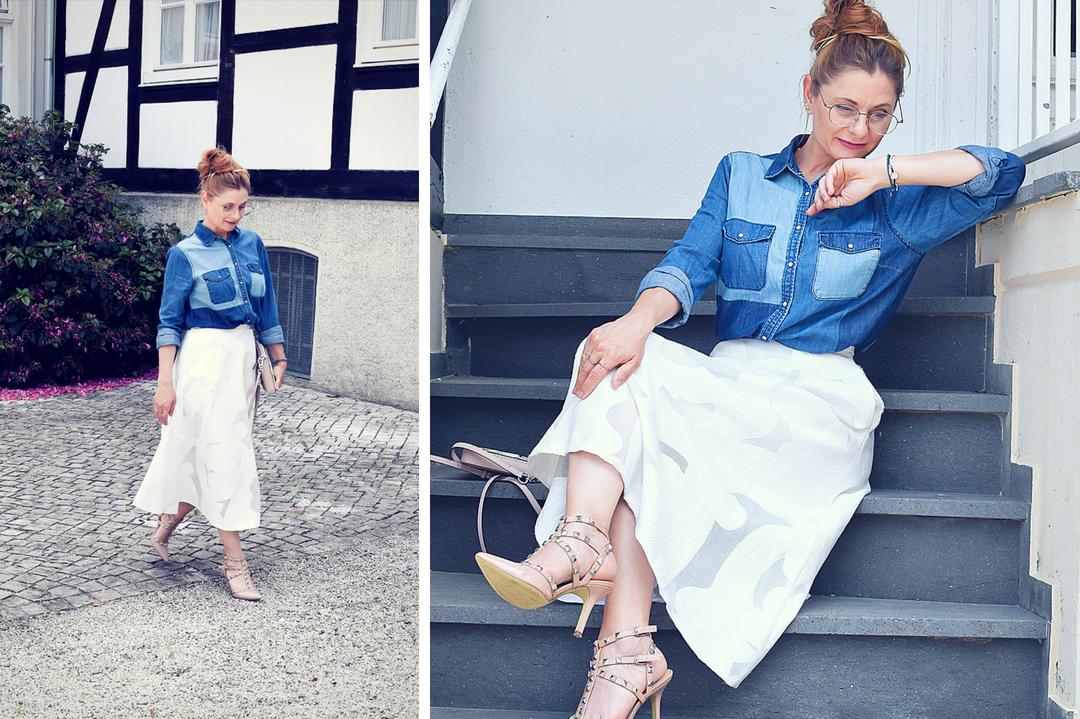 weißer Midirock mit Jeanshemd, Jeanshemd in Blau, Modeblog für Frauen über 30 und über 40