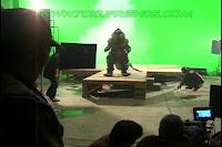 http://2.bp.blogspot.com/-bC5OQRyFmCc/ViPW25DEBbI/AAAAAAAADdM/XBPeLkenugE/s1600/Ultraman_tiga_oddissey_backstages_86.jpg