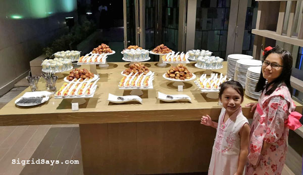 Courtyard by Marriott Iloilo hotel promo - Iloilo hotels - Iloilo restaurants - Philippines - Bacolod blogger - Iloilo City - family travel - Iloilo Staycation - Courtyard by Marriott buffet - Courtyard by Marriott Iloilo promo - Courtyard by Marriott Iloilo rates - desserts